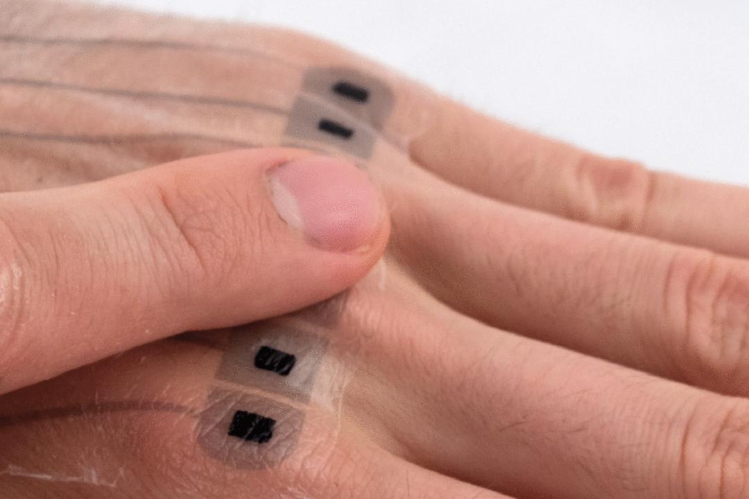 Google cria tatuagem inteligente que atua como painel touch