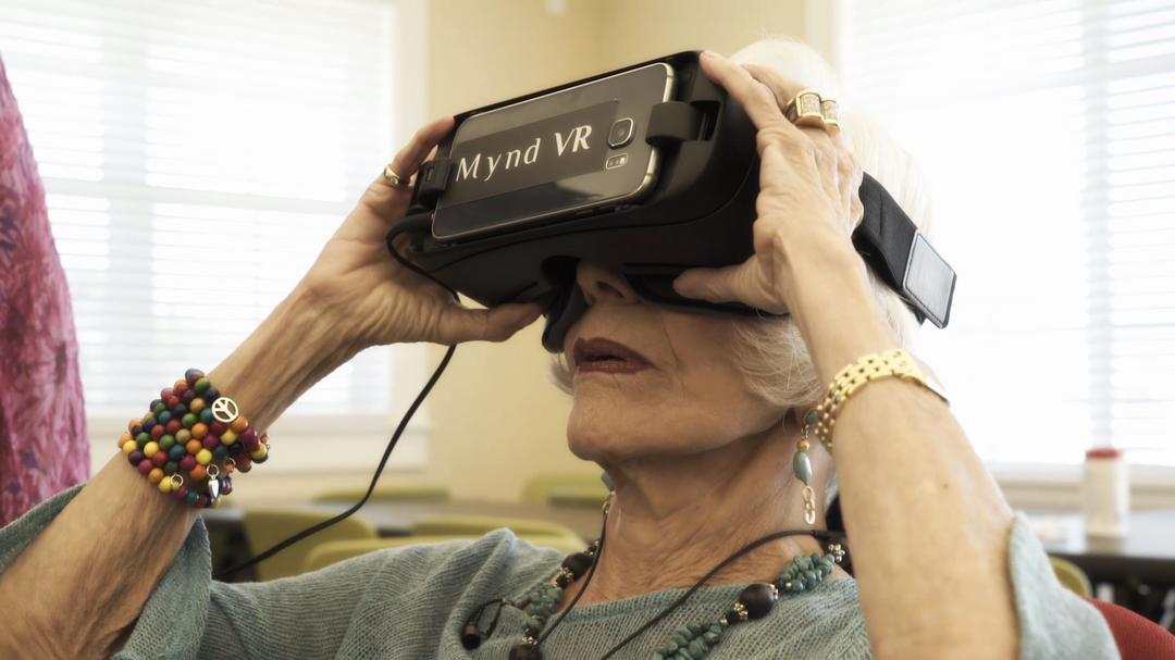 Empresa desenvolve headsets de Realidade Virtual voltada à terapia de pessoas mais velhas